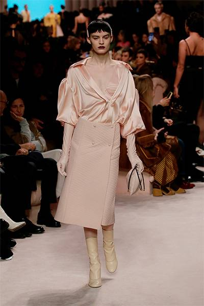 Powdery pink became the main shade of the Fendi FW 20/21 collection